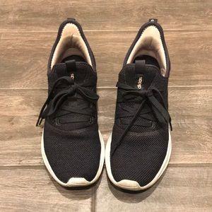 Adidas Cloudfoam sneaks